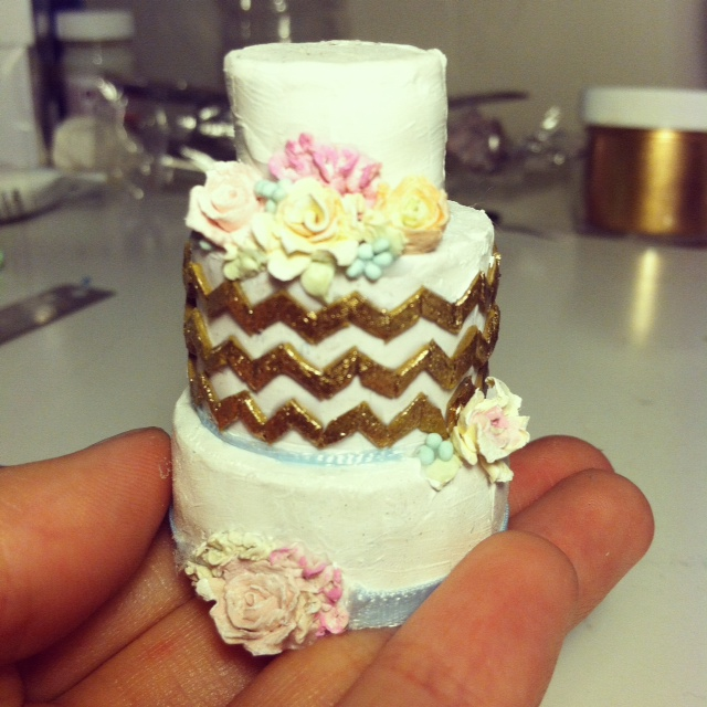 Cake Decorating Zig Zag : gold zig zag cake with flowers by Rachelslittlethings on DeviantArt