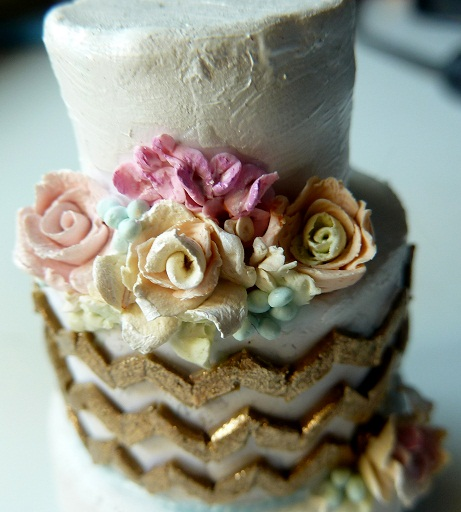 Cake Decorating Zig Zag : Gold zig zag mini cake by Rachelslittlethings on deviantART