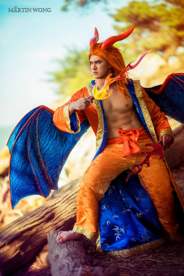 Charizard Gijinka Cosplay by Kohalu
