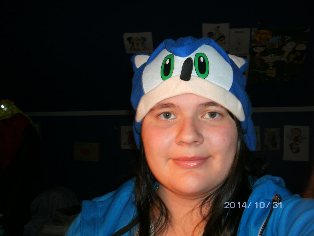 Me in Sonic Hat by KatarinaTheCat