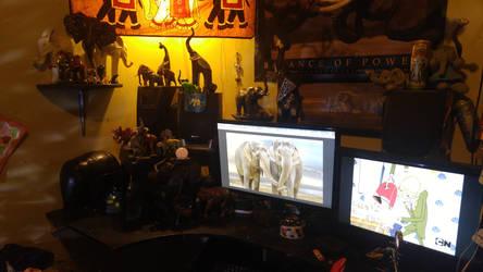 Elephant desk by Simidae