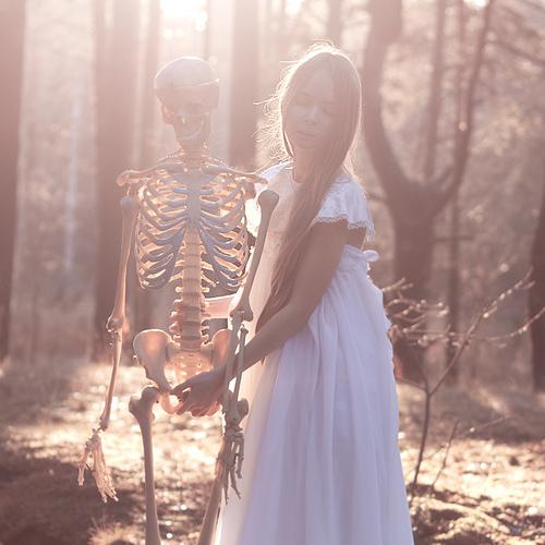 Sve u Braon boji - Page 2 Lovely_bones__by_perhydrol