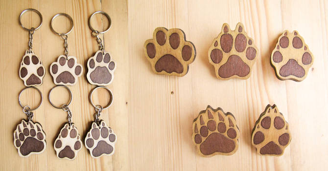 Paw print  wooden keychain   pin brooch  