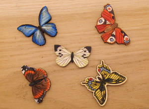 Butterfly wooden magnet pin brooch