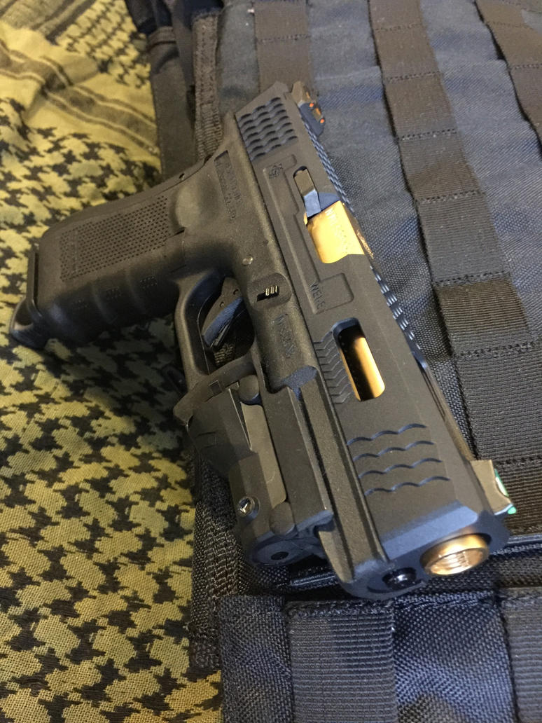 WE Glock 17 Gen IV with Archives G17 slide by d3lf on ...