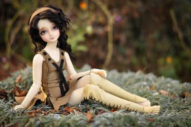 Lorelai, waiting by tetradeka