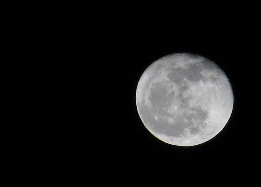 Moon 2 by AliceN101