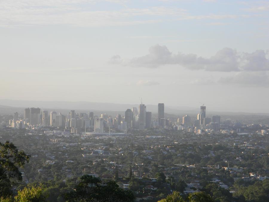 Brisbane from Mt Gravatt by Zomit