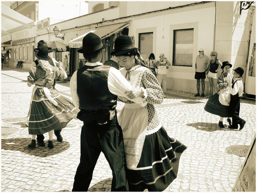 baile tipico portugal by GustavoPastrana