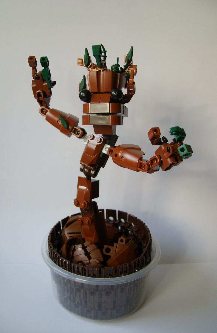 LEGO Groot by Sparkytron