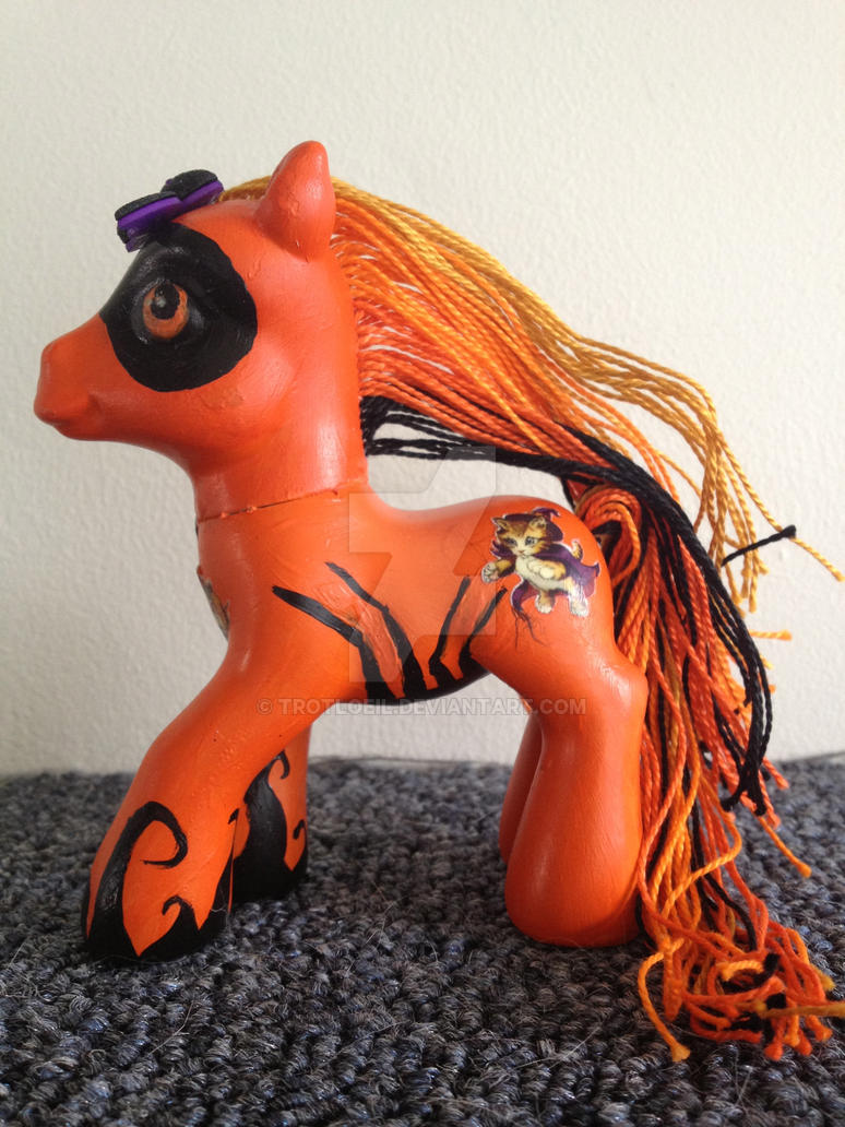 Trick or Treat My Little Pony by TexacoPokerKitty
