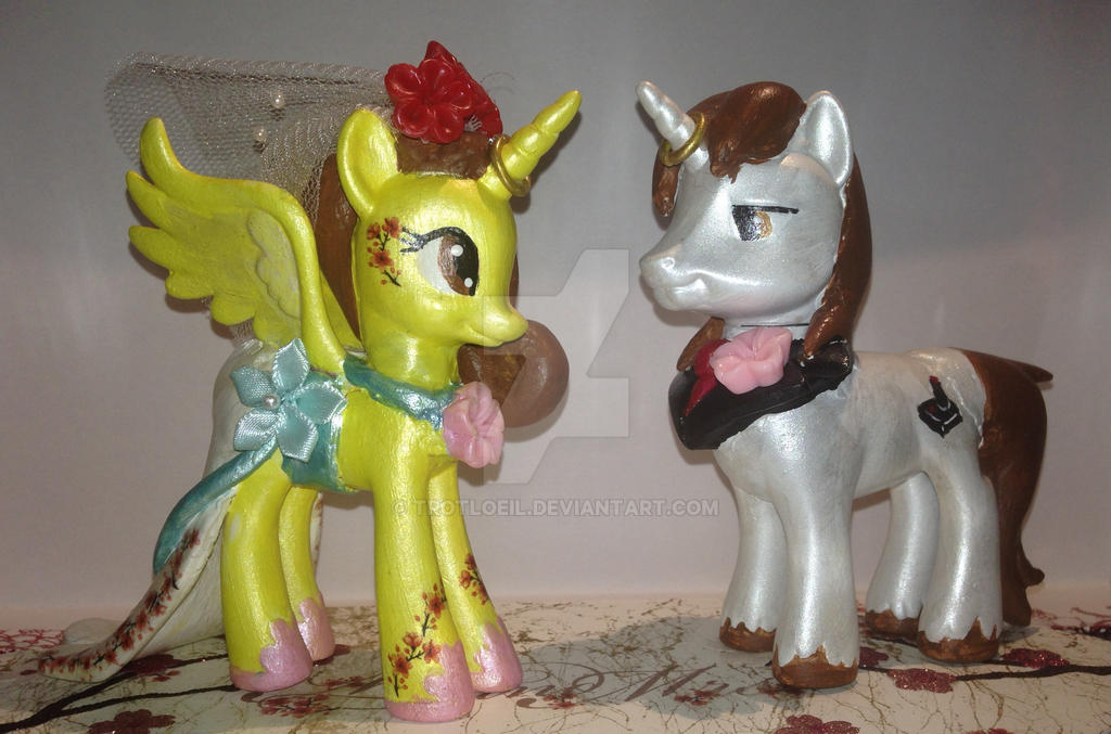 My Little Pony Wedding Cake Topper by TexacoPokerKitty