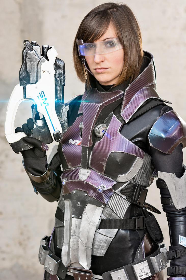 Commander Shepard cosplay I by Nebulaluben
