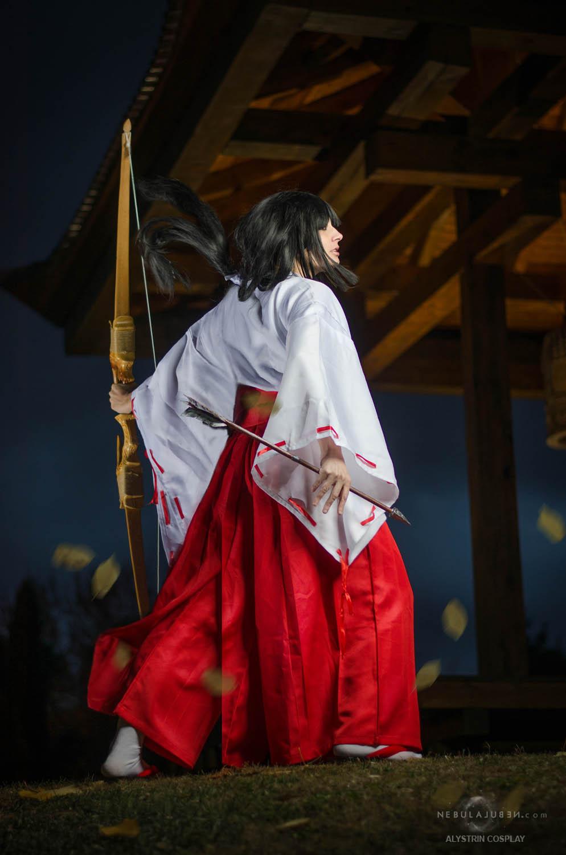 Kikyo cosplay by Nebulaluben