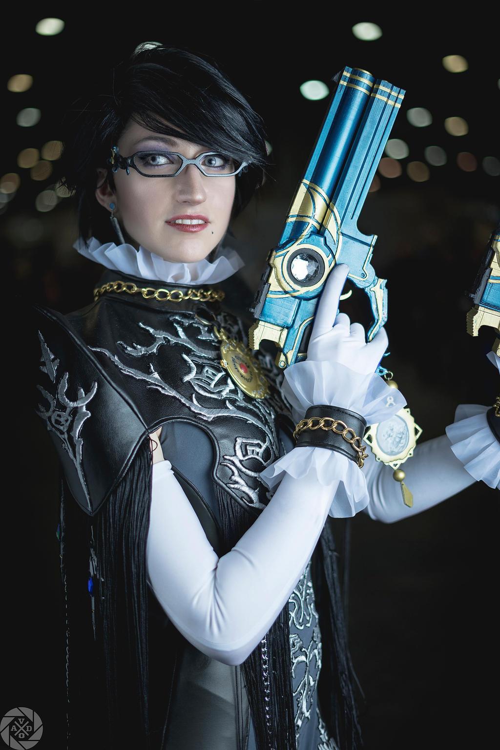 Bayonetta cosplay by Nebulaluben