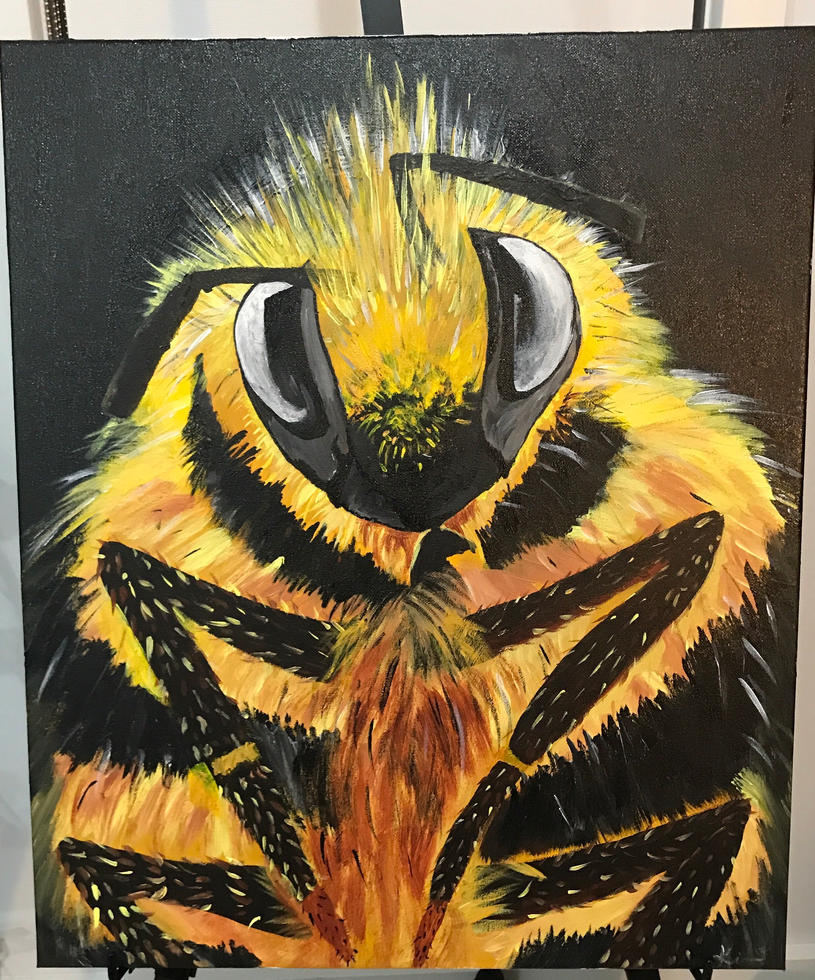 Honey bee by Kimberlil