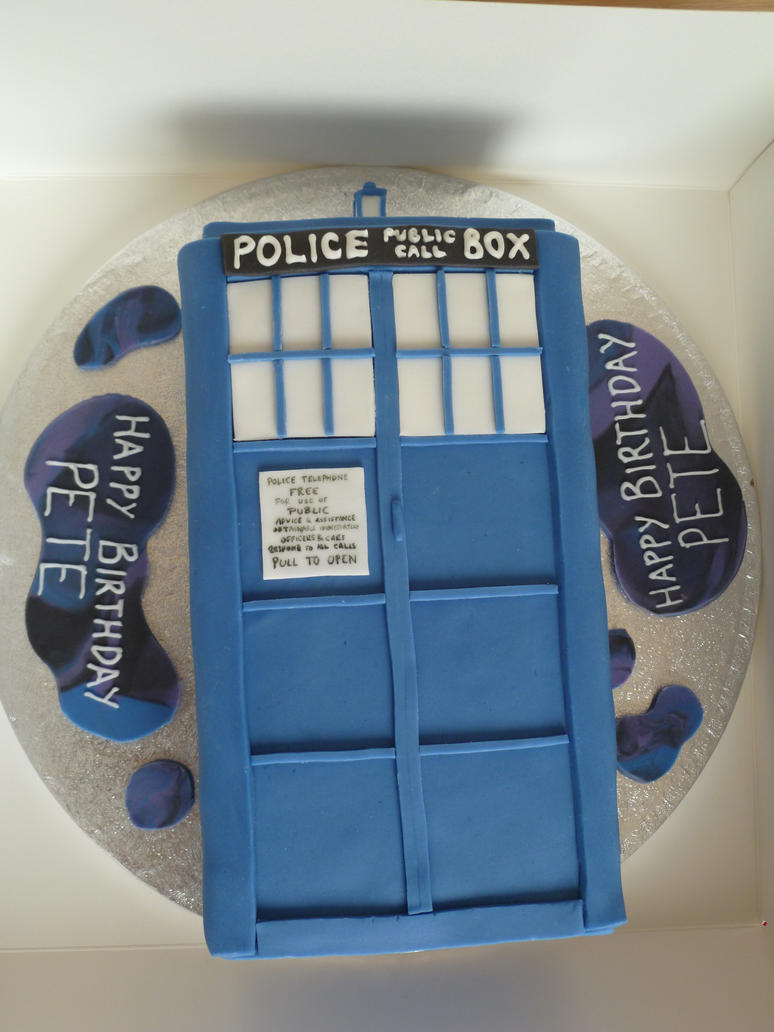 A Third Tardis Cake by Rebeckington on DeviantArt