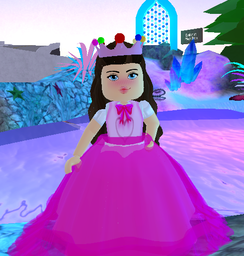 Royale High - Outfit Idea 2 (Princess Peach) by
