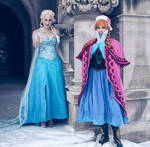 Anna and Elsa Cosplay (Frozen)