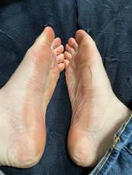 Sweaty sticky sandal soles