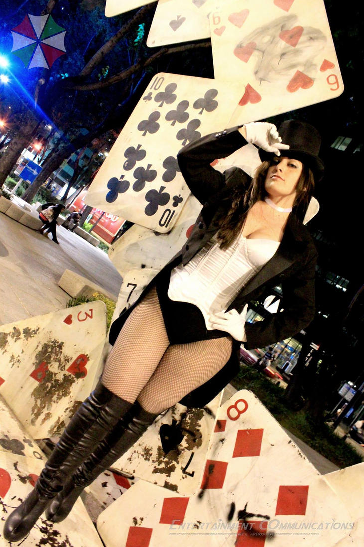 Zatanna Cosplay by AlexiaDeath10