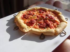 polymer clay pizza by trollwaffle