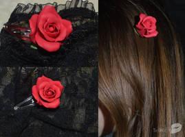 Rose hair-slide by trollwaffle