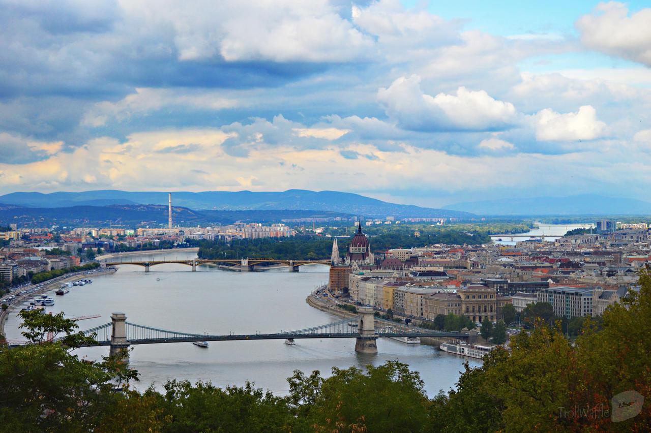 Budapest by trollwaffle