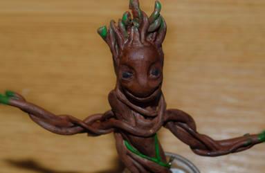 Polymer clay Groot TUTORIAL! by trollwaffle