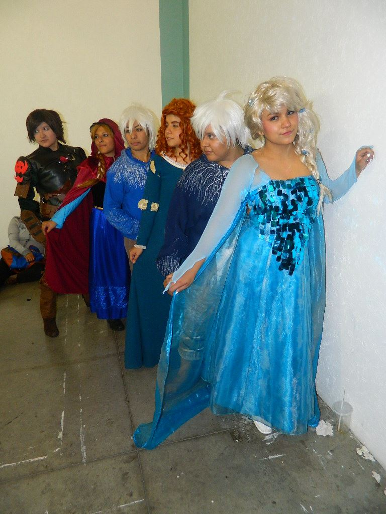 Elza jack frost merida anna and hiccup by bluewolfwazzu on