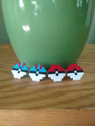 Pokeball Mini Perler Sprite Earrings by greenchylde