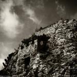 La maison adossee a la colline by hugovanmalle