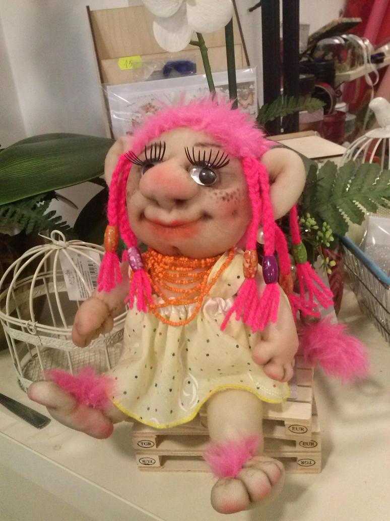 Troll Girl by toroj