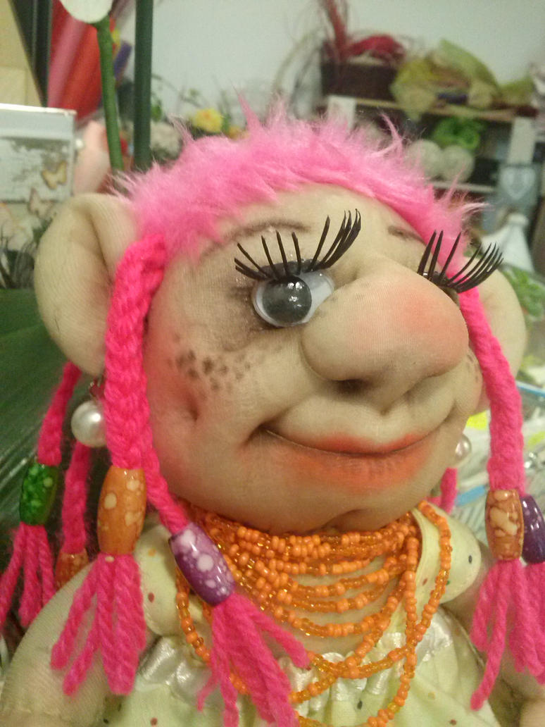 troll girl face by toroj