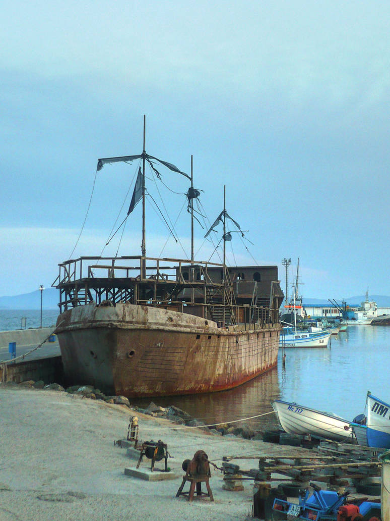 Ship wreck by YvaineGlareStock