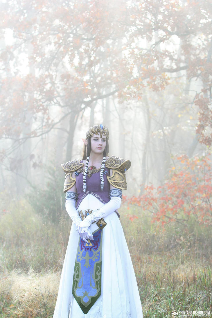 Princess Zelda Cosplay by Sparqy