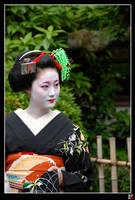 kamishichiken Maiko II by tensai-riot