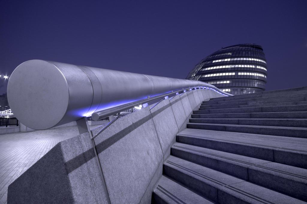 London Assembly Building by paweldomaradzki