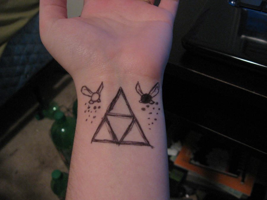 Triforce tattoo want by morganjent4 on deviantart for Triforce hand tattoo