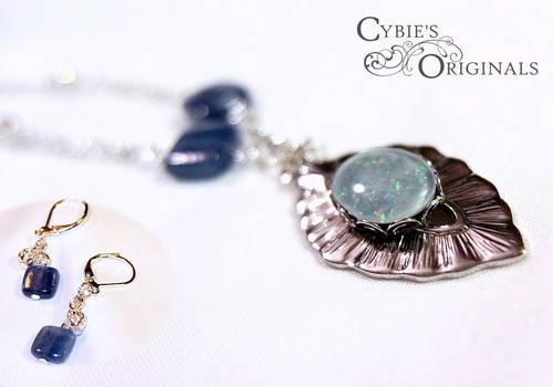 Moms Opal and Kyanite Set