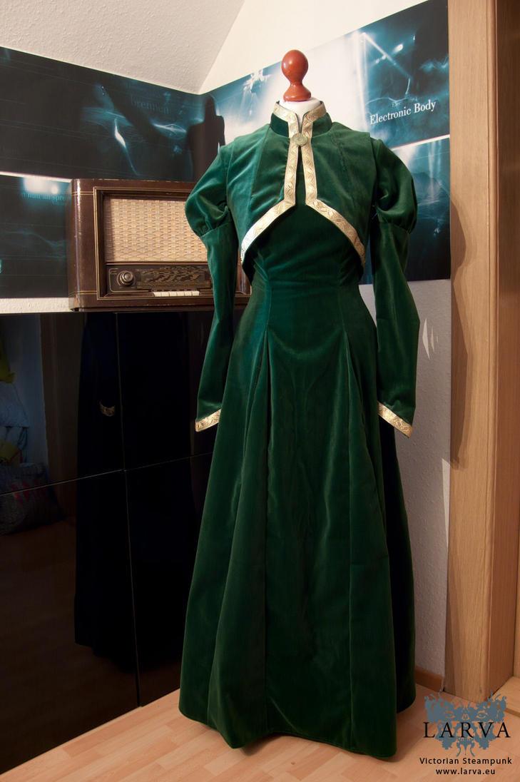 Leah's dress (Loki and Leah cosplay) by Eisfluegel