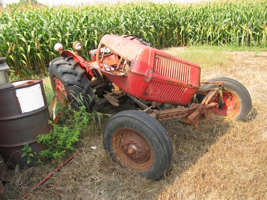 Tractor Broke Down : Broken tractor by imperlast on deviantart