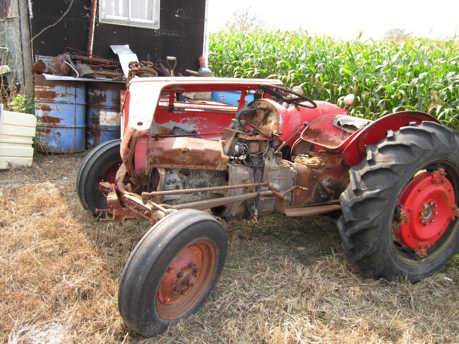 Tractor Broke Down : Broken down old tractor by imperlast on deviantart