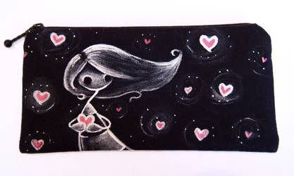 Painted pouch: Lots of Hearts