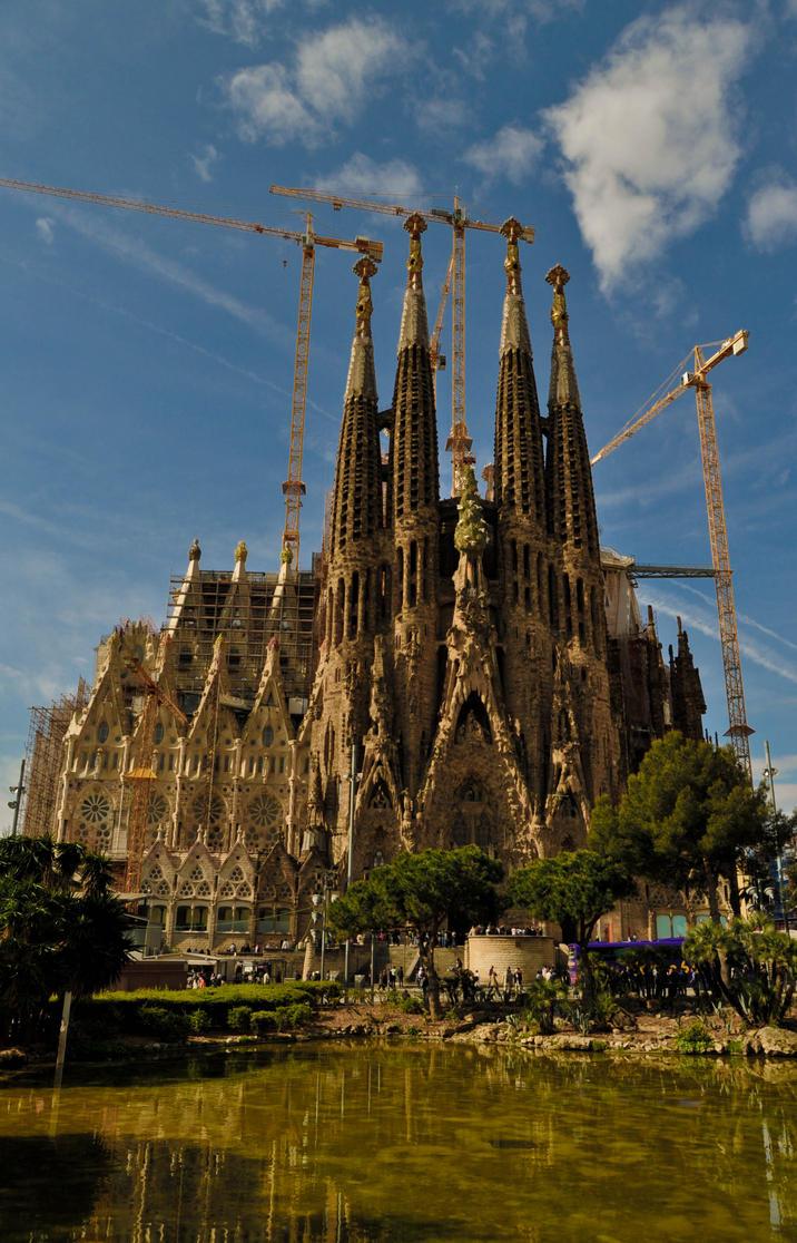 La Sagrada Familia Barcelona by jober87 on DeviantArt