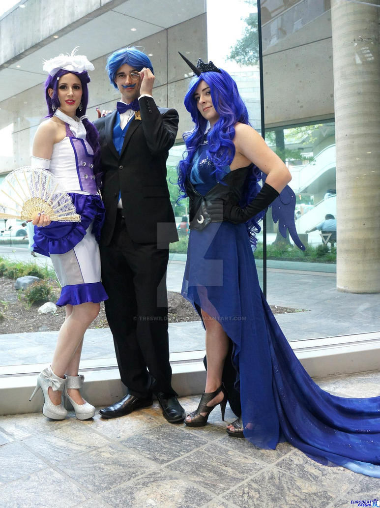 MLP: Princess Luna Full Group by TresWildCosplay