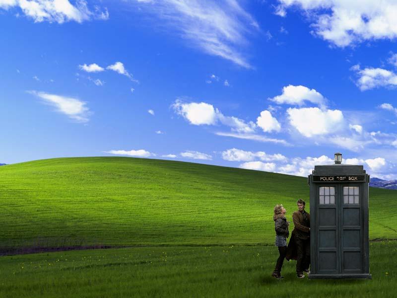TARDIS visits Windows XP by fallowbuck