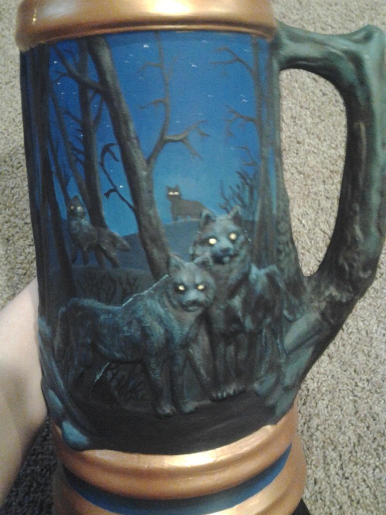 Hand Painted Ceramic Wolf Stein
