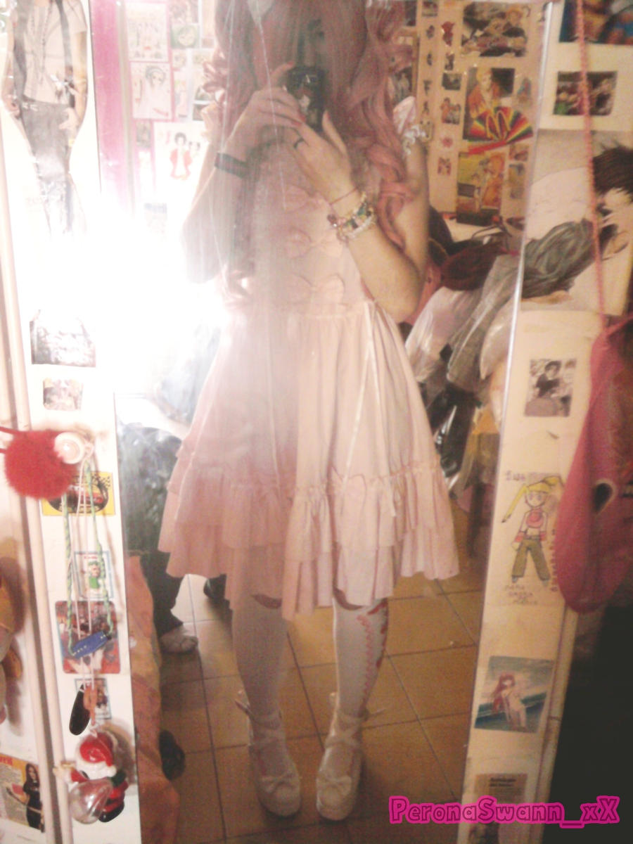 Lolita Room :3 by LuffySwan