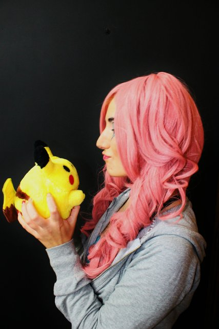 Perona with pikachu :3 by LuffySwan